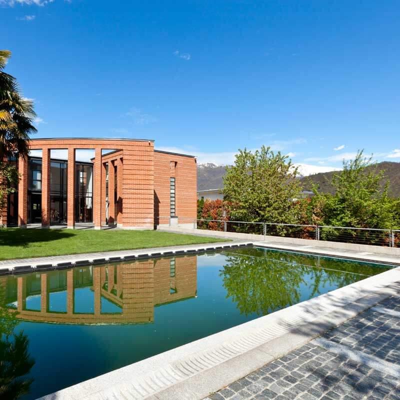 Casa y piscina. Política de privacidad. Grupo Pamarés