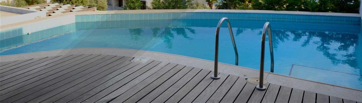 Limpieza de piscinas. Grupo Pamarés